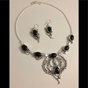Jewelry - ✨🎀BLACK ONYX NECKLACE AND EARRINGS SET🎁🎁✨